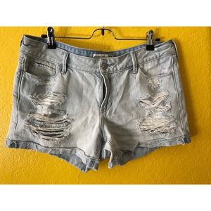 Abercrombie & Fitch low rise shorts, size 12, 31